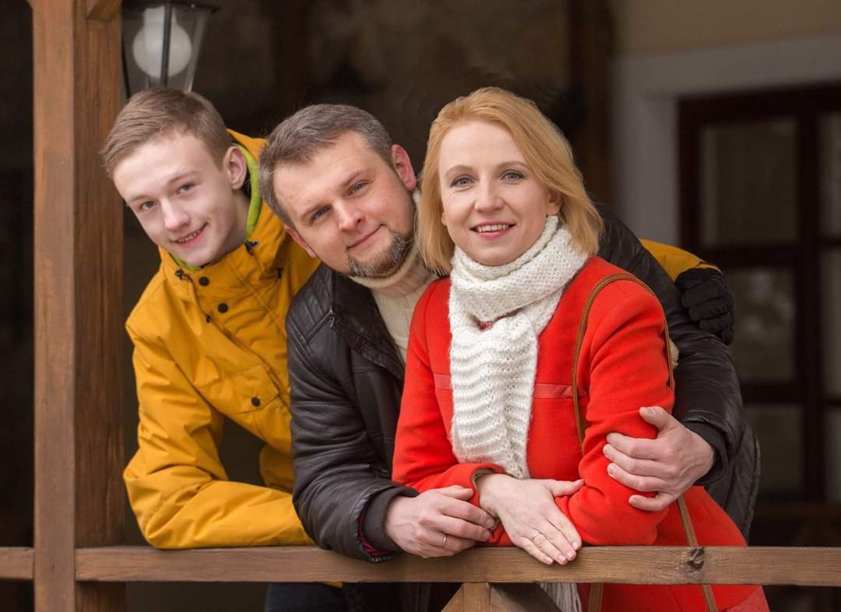 Андрей Витушко с супругой Кристиной и сыном Мироном