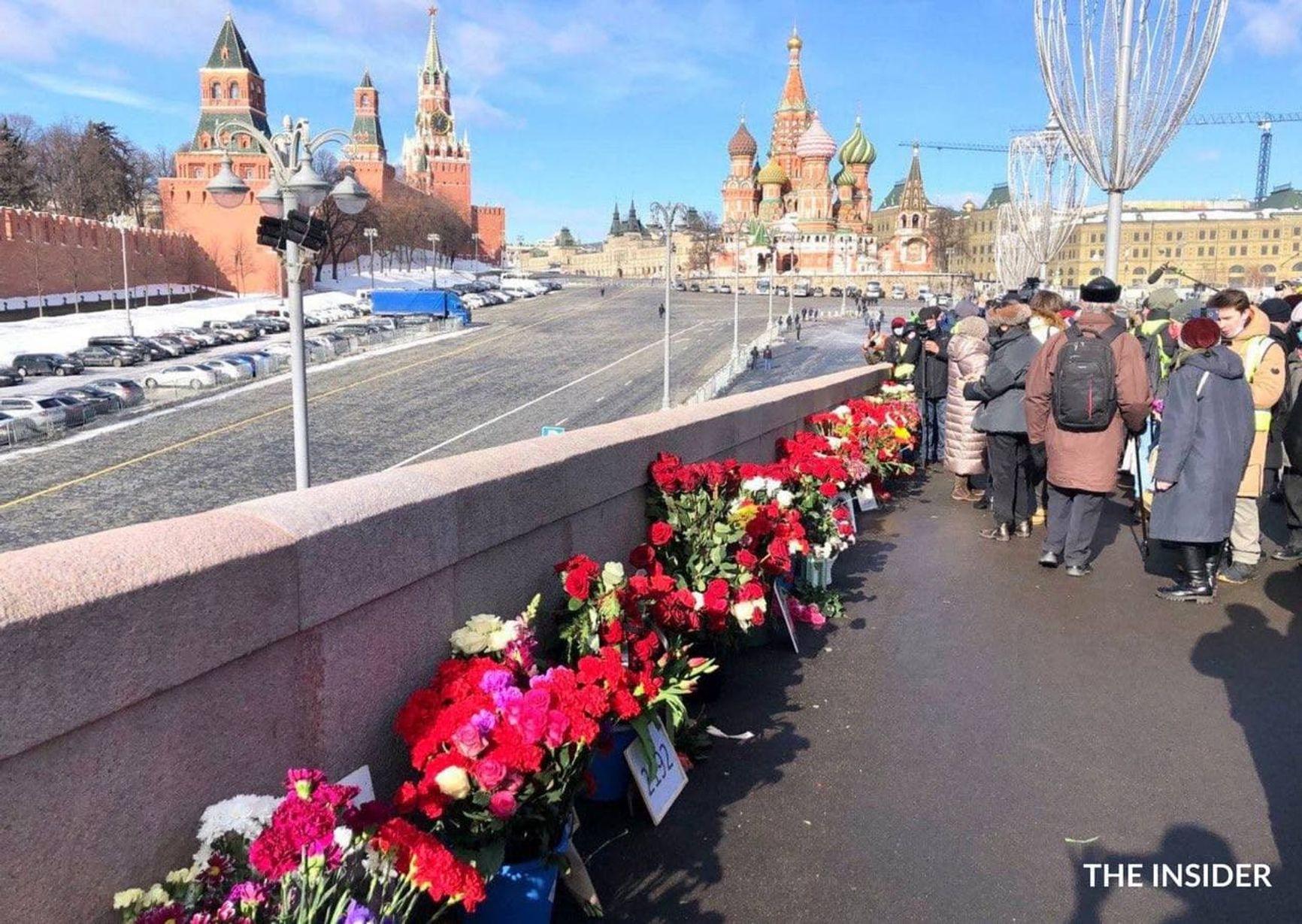 Акции памяти Бориса Немцова проходят в городах России ежегодно с 2015 года