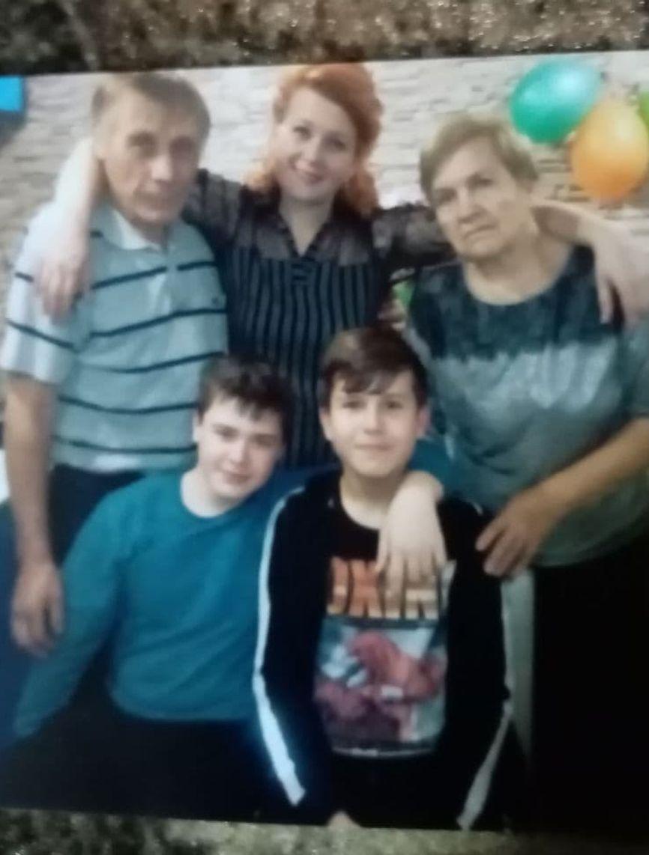 Никита с семьей. Фото из семейного архива