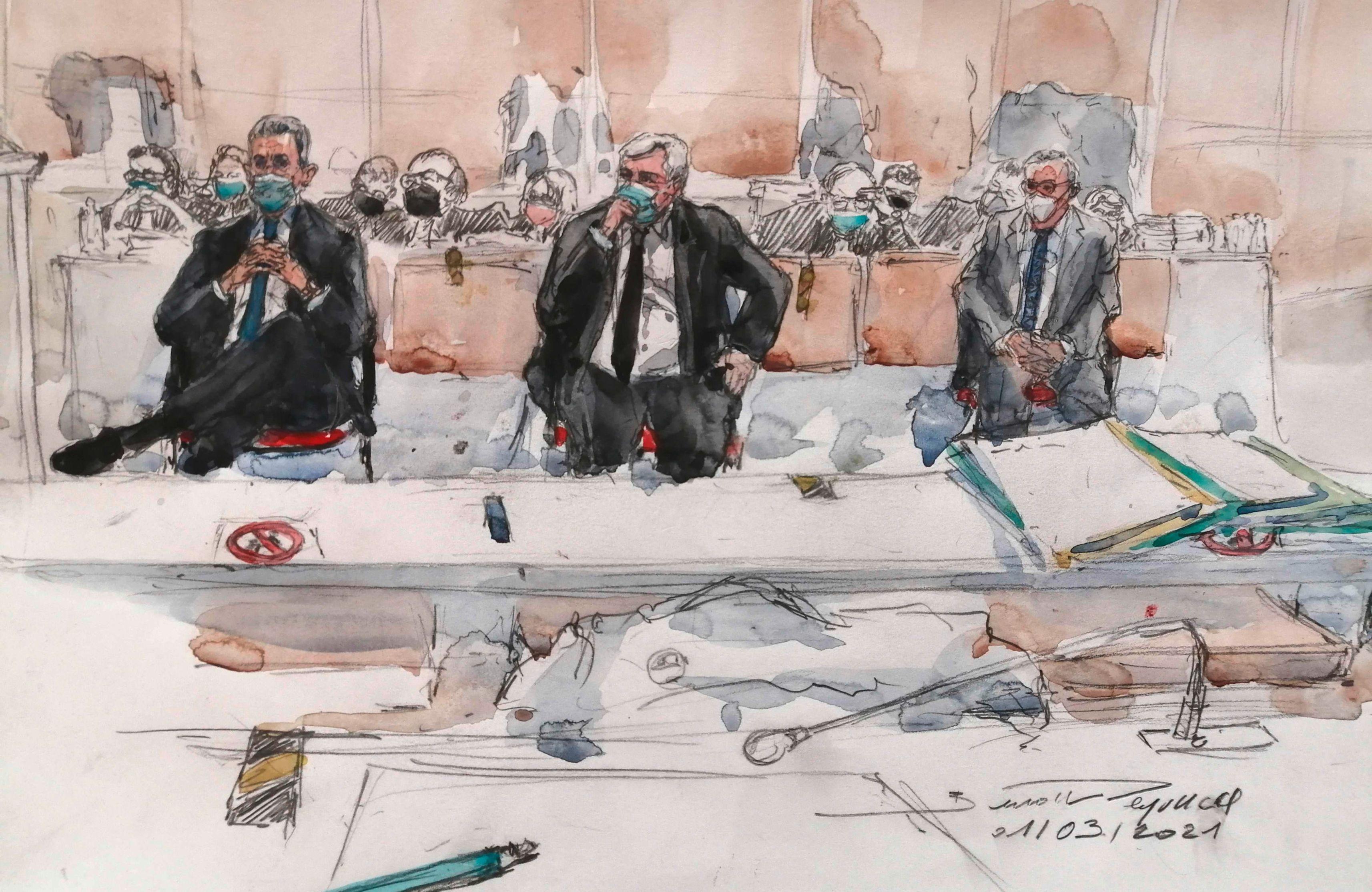 Трое в суде