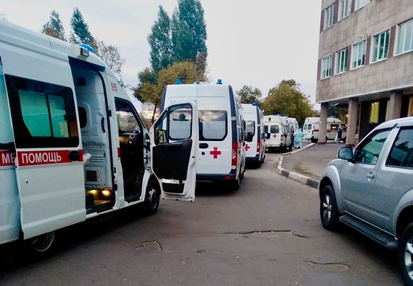 Очередь карет скорой помощи в Воронеже