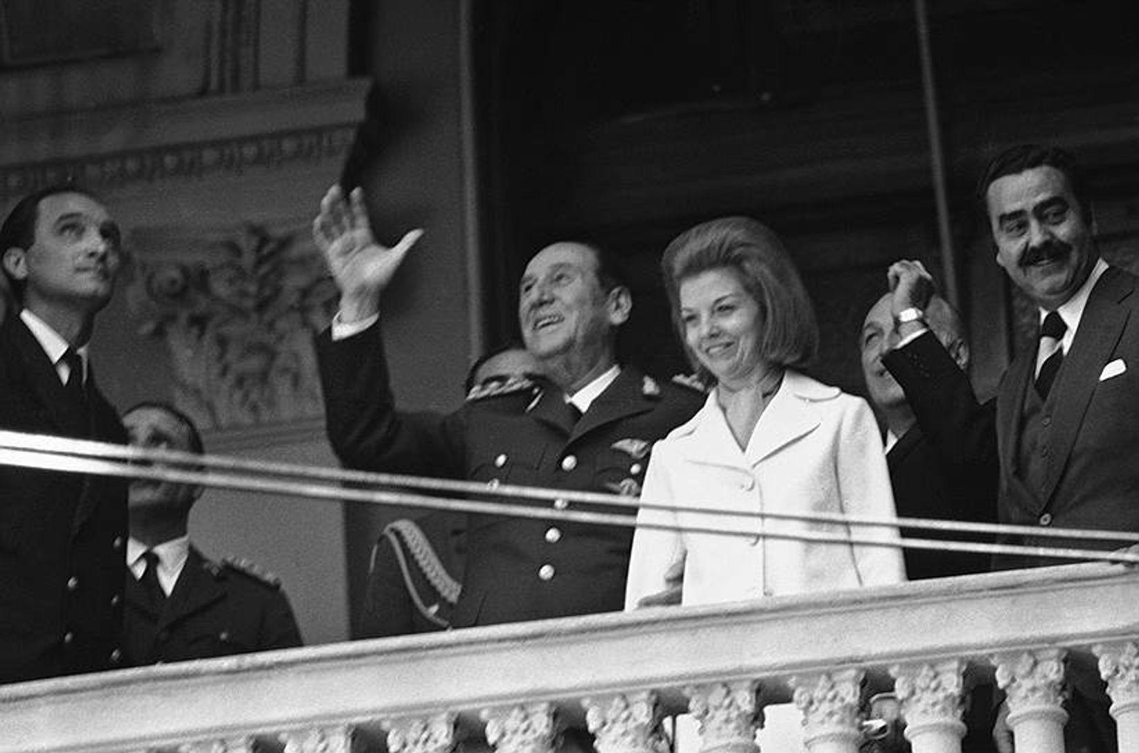 Через 17 лет эмиграции Хуан Перон с триумфом вернулся в Аргентину и стал президентом