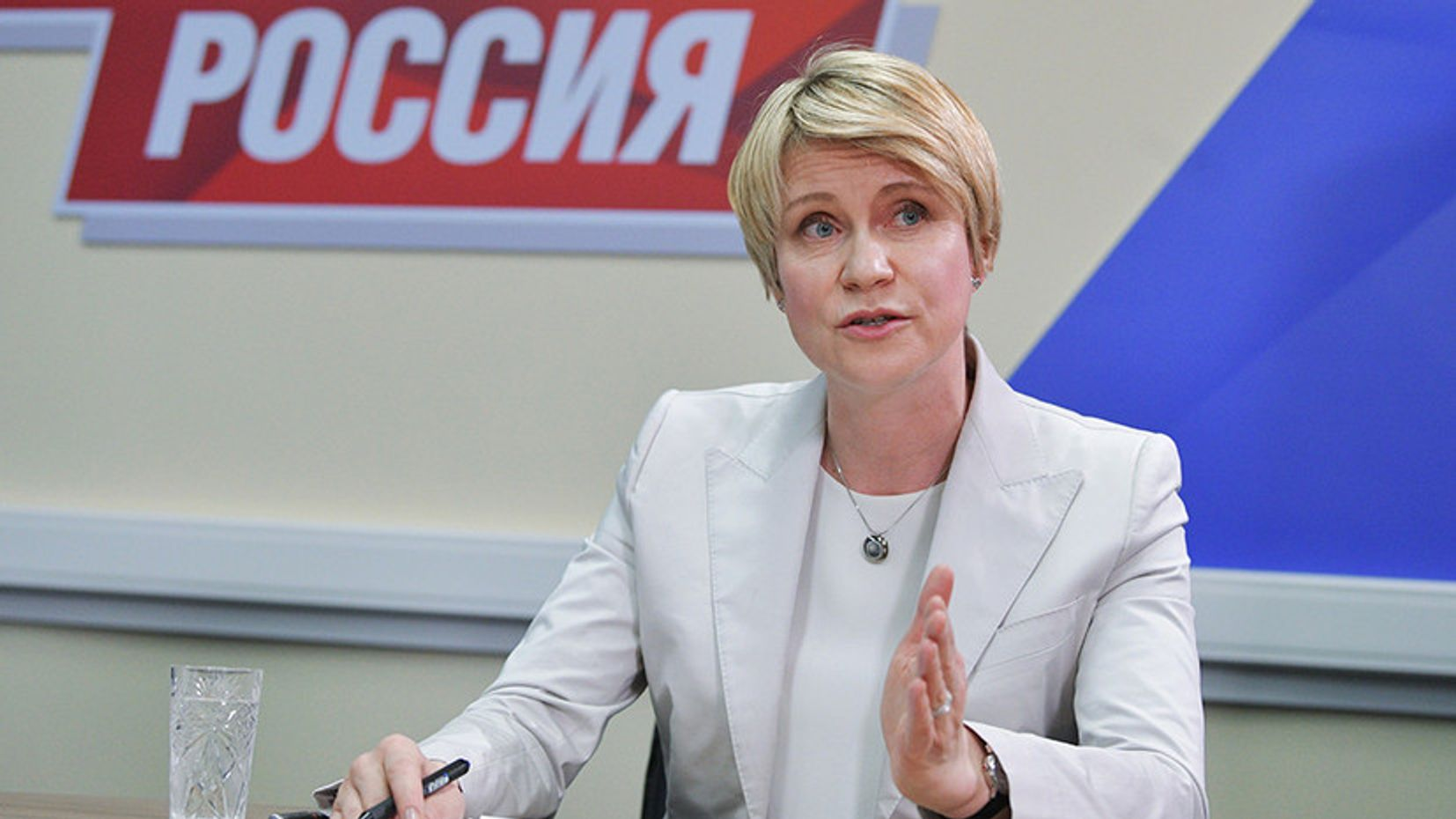 Some experts call Shmeleva a Russian Robin Wright