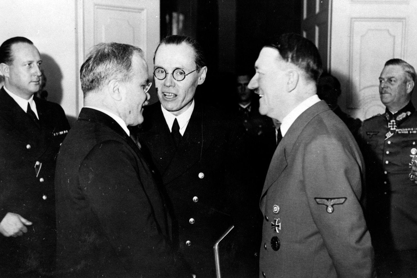 Вячеслав Молотов на приеме у Адольфа Гитлера в рейхсканцелярии. Берлин, 13 ноября 1940 года