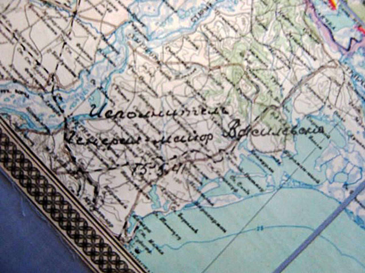 На карте, прилагаемой к плану превентивного удара, видна подпись ее автора: «Исполнитель генерал-майор Василевский. 15.5.41».