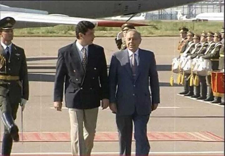 1997 г. Борис Немцов встречает Гейдара Алиева