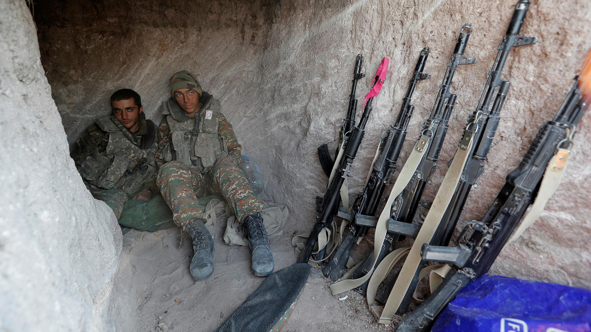 Армения, Азербайджан и Россия подписали заявление о прекращении войны в Карабахе. Москва вводит миротворцев