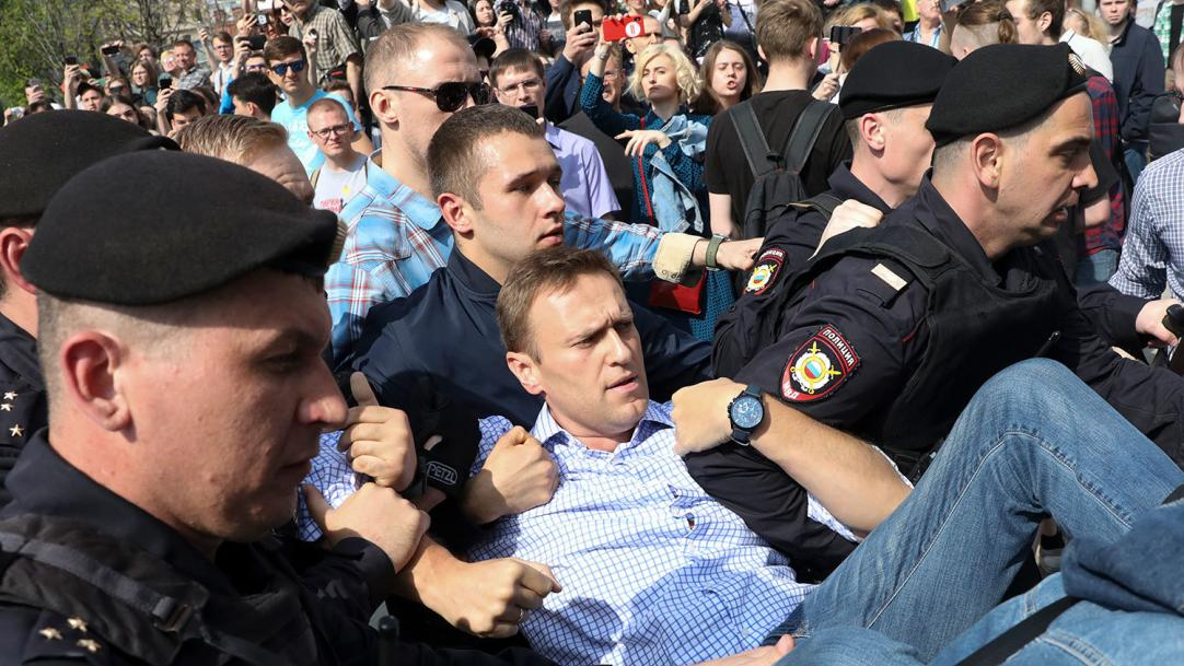 Аресты, угрозы и уголовное дело — как власть запугивает граждан накануне митинга в поддержку Навального