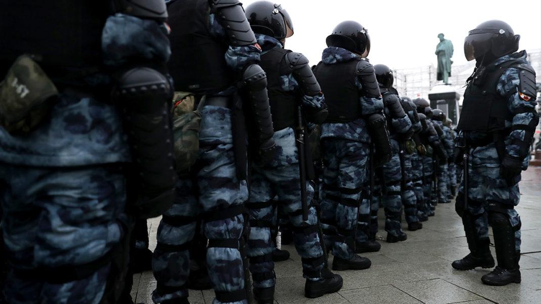 Суд арестовал первого фигуранта дела о применении насилия к силовикам на митинге в Москве до 24 марта
