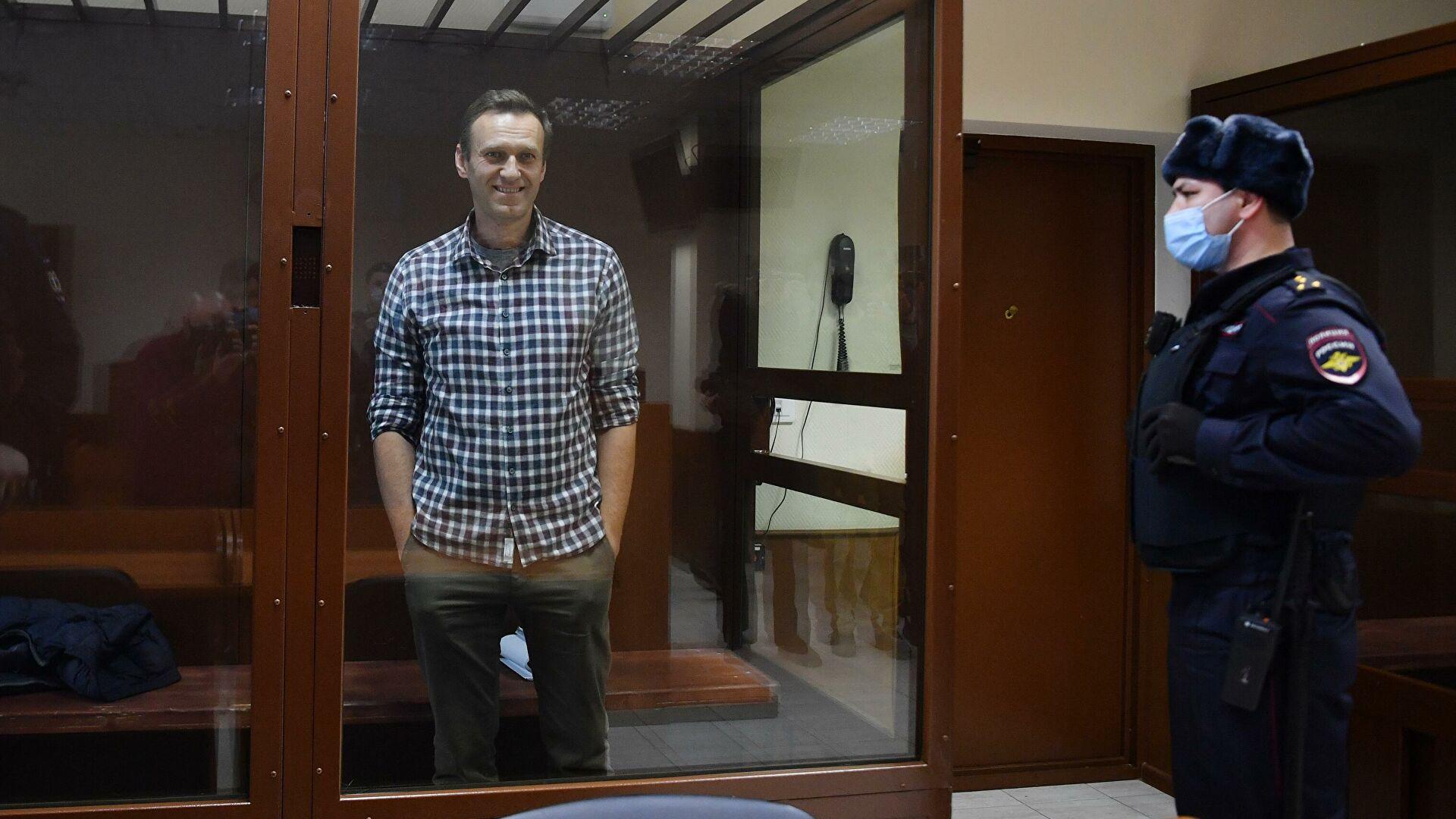 «Россия будет счастливой». Последнее слово Навального в суде на апелляции по делу «Ив Роше»