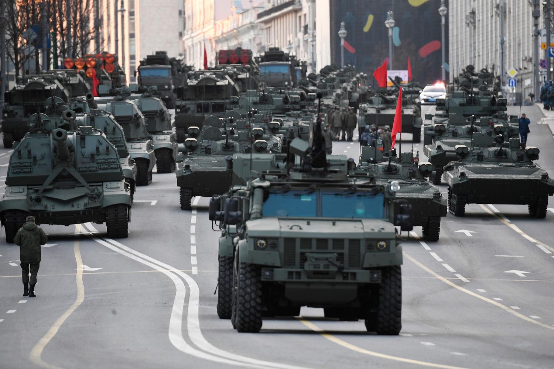 В Москве задержали четверых человек, которые вышли на проезжую часть во время репетиции парада Победы