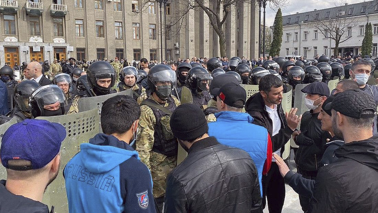 Суд приговорил к реальным срокам пятерых жителей Владикавказа по делу о беспорядках на митинге против коронавирусных ограничений